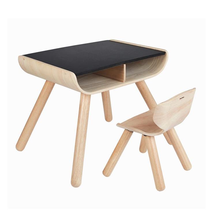 Kindertisch mit Stuhl
